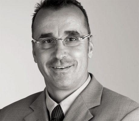 Stefan-Scheuermann-Moebelsachverstaendiger